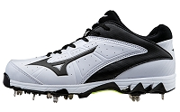 Mizuno Womens 9 Spike Swift 4 Fastpitch Metal Cleats